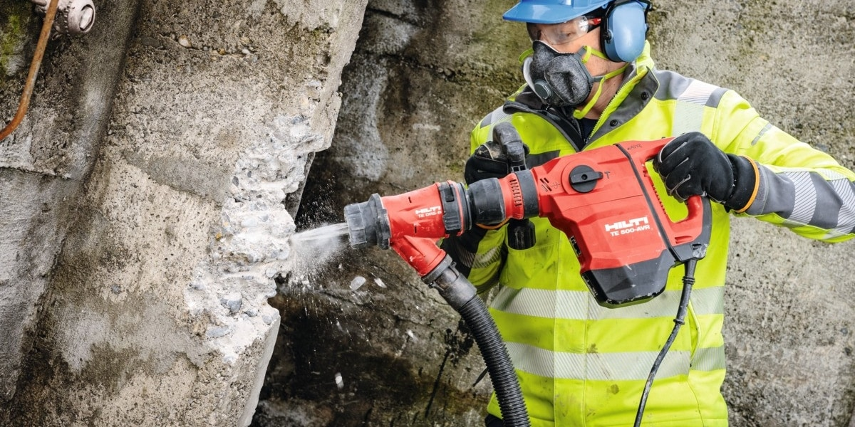TE 500-AVR Wall breaker with Hilti Dust Removal System