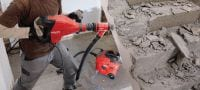 TE 700-AVR Demolition hammer Powerful SDS Max (TE-Y) wall breaker for heavy-duty chiselling in concrete and masonry, with Active Vibration Reduction (AVR) Applications 2
