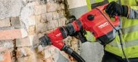 TE 500-AVR Versatile SDS Max (TE-Y) wall breaker for light-duty chiselling in concrete and masonry, with Active Vibration Reduction (AVR) Applications 1